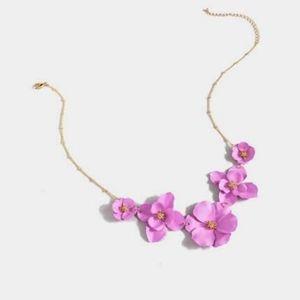Francesca's Flower necklace